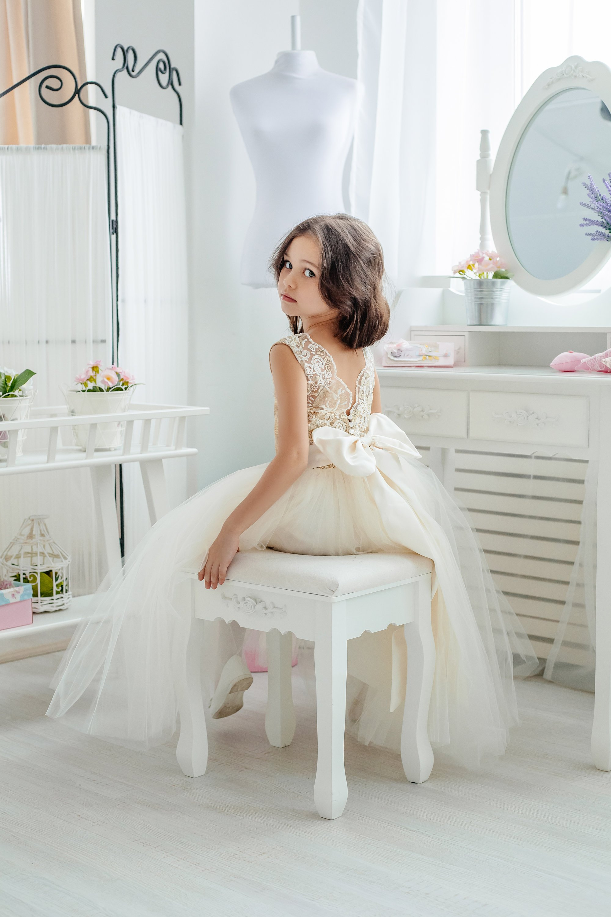 classic lace flower girl dress.jpg