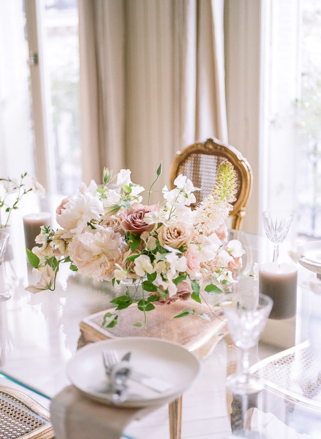 Chateau-wedding-france-Harriette-Earnshaw-Photography-table flowers.jpg