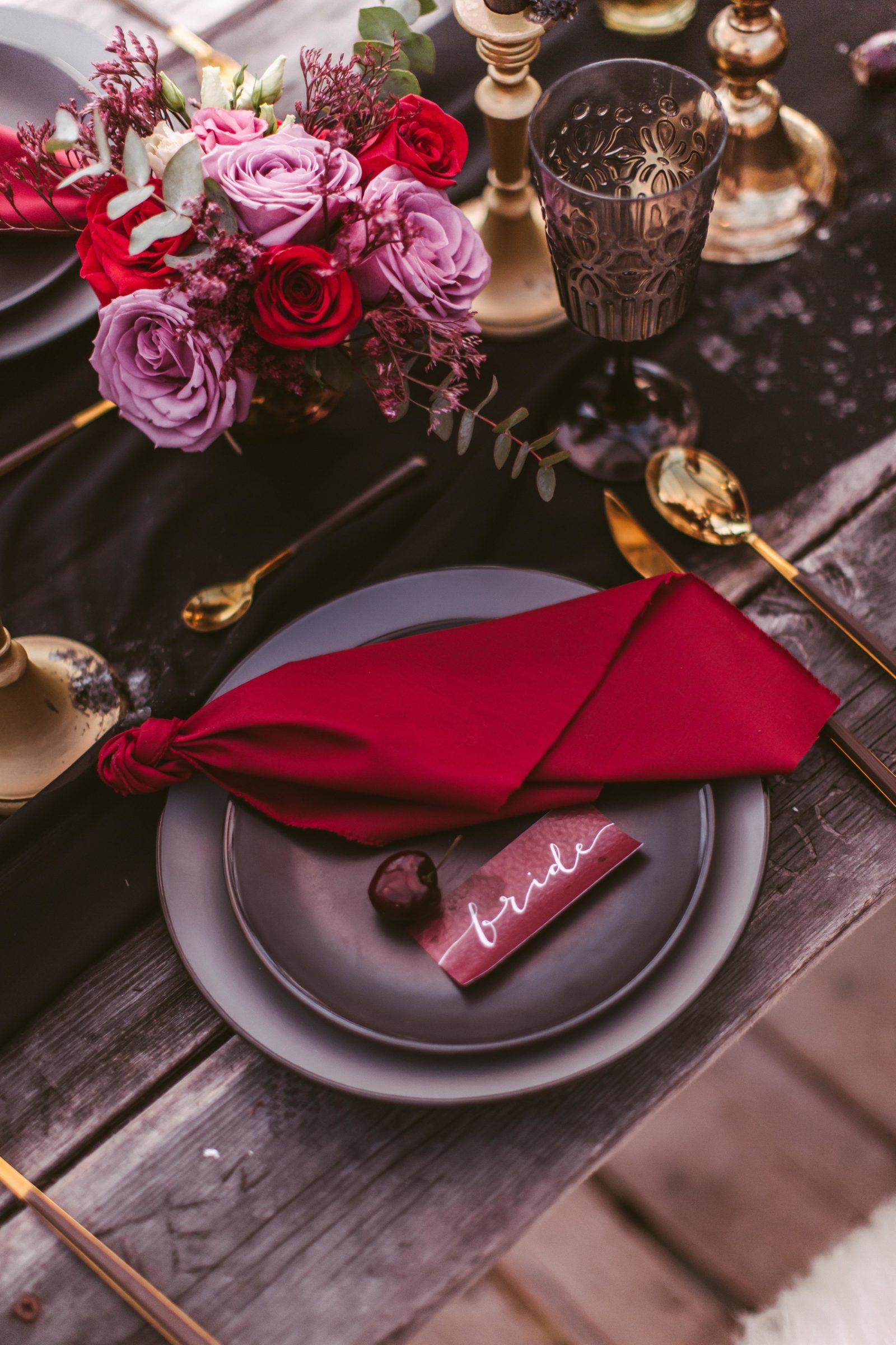 red wedding table decor.jpg