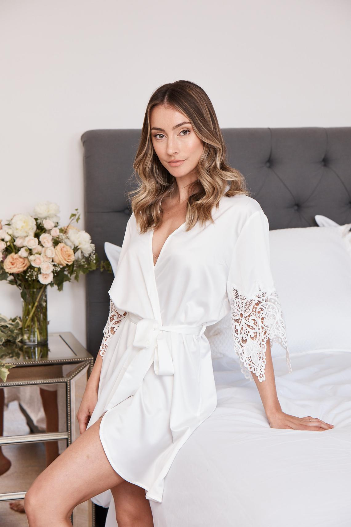 Bridesmaid Lace Robes Bridesmaid Gifts Bridal Party Robes.jpg