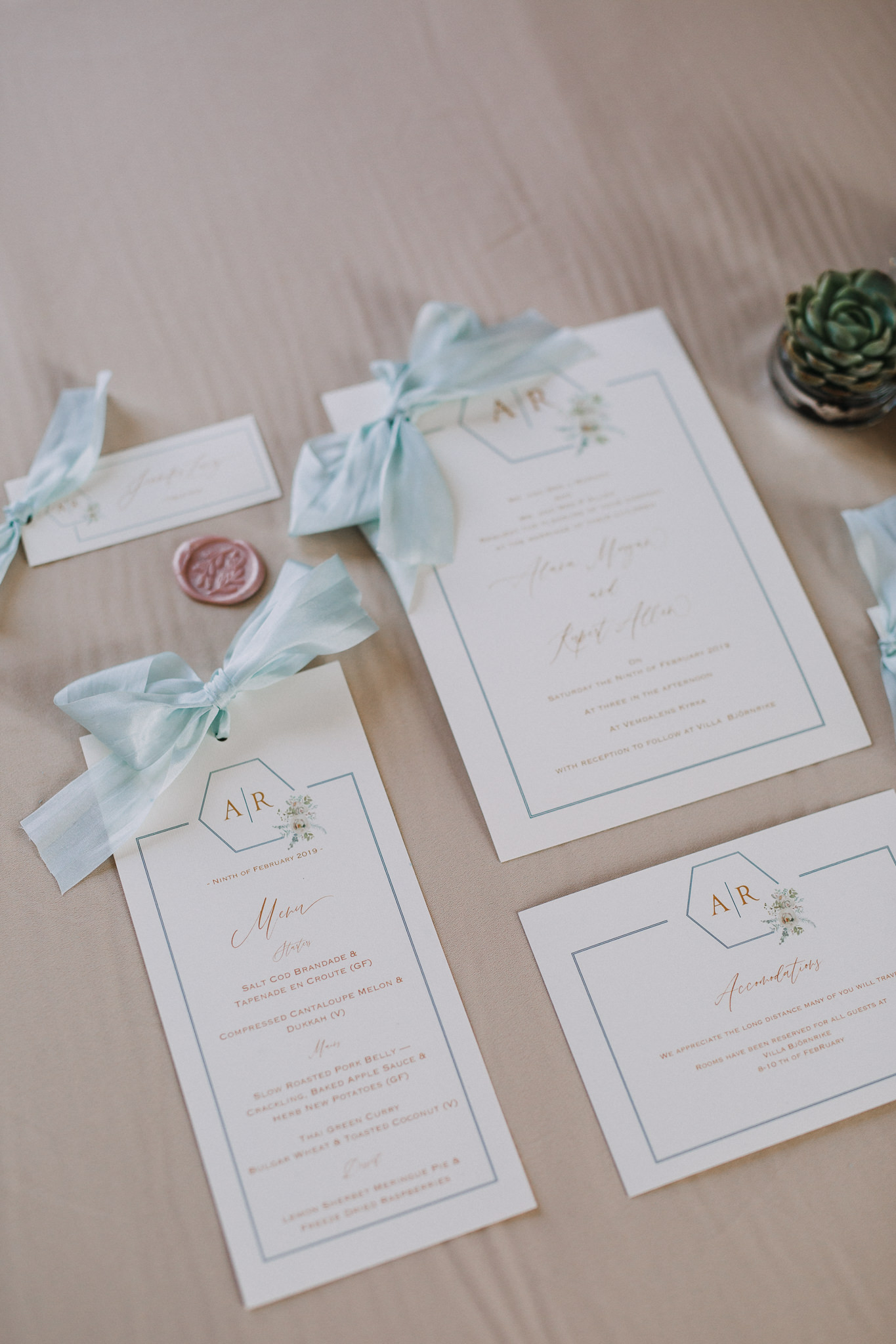 rustic wedding blue invitations.jpg
