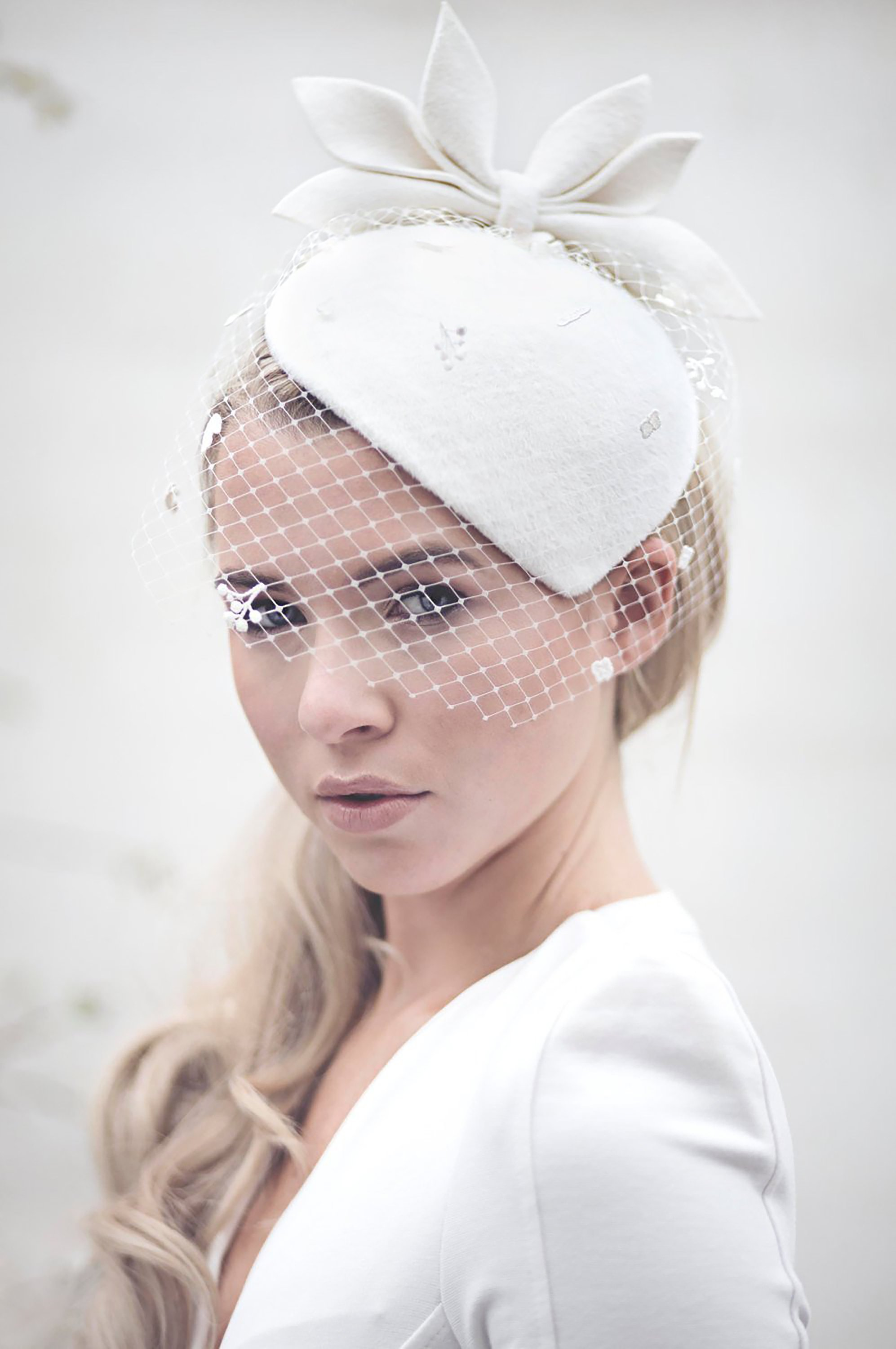 Wedding Veil Bridal Hat, Vintage Style Felt Hat, Off White Perch Hat, Birdcage Veil Bridal.jpg