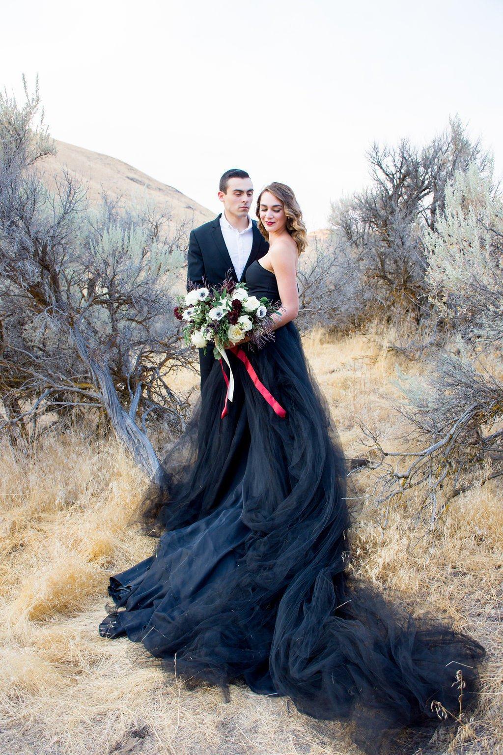 Black Wedding Dress, Tulle Skirt, Gothic, Goth, Colored Wedding Dress, Alternative TWILIGHT, Black,.jpg