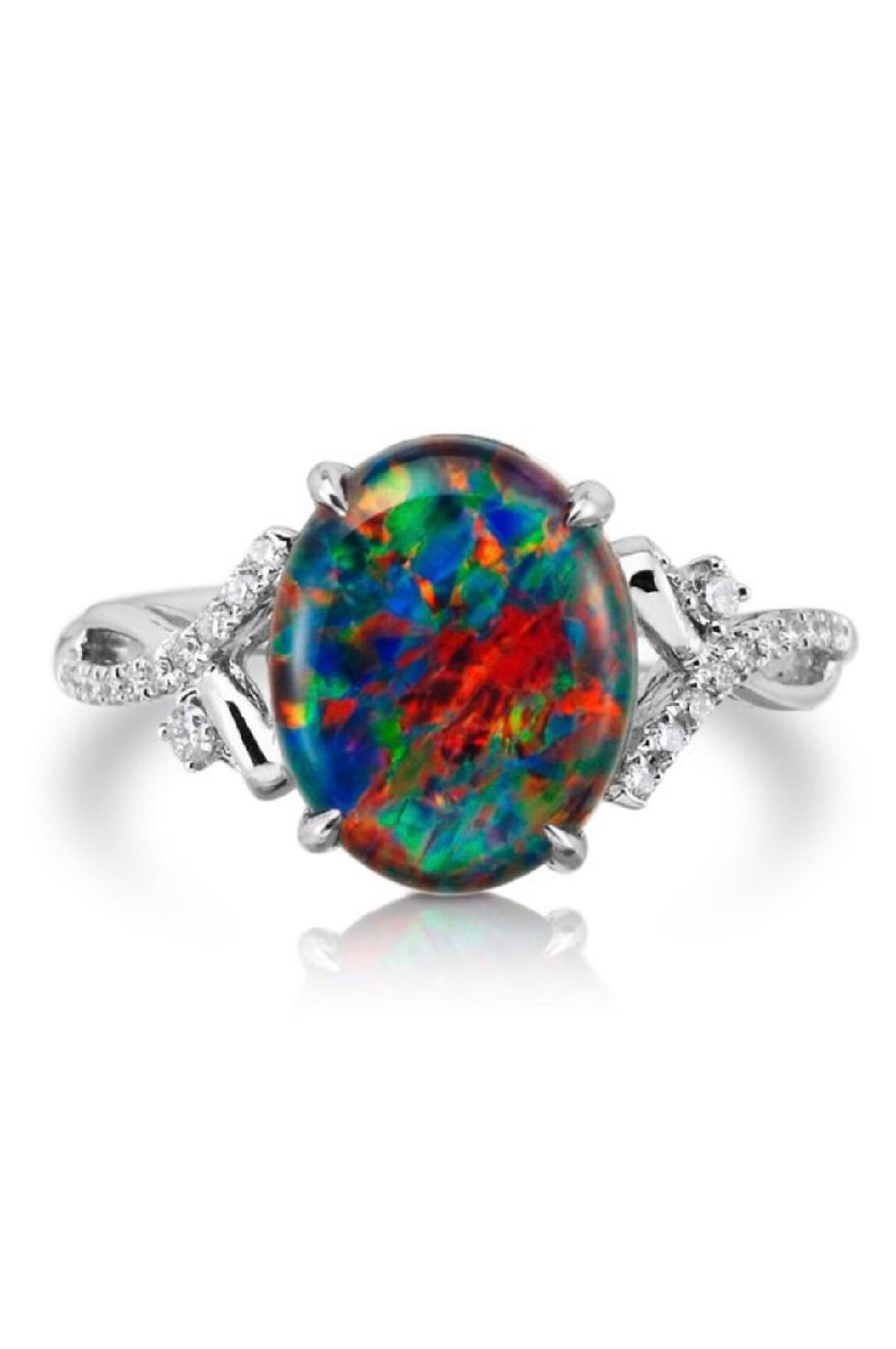custom made engagement rings  pristine,.jpg