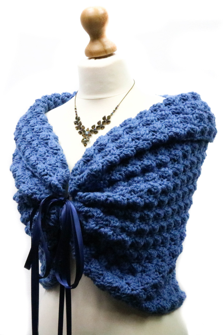 Blue Bridal Cape, Knit Wedding Shawl for Bridesmaids Gifts, Winter Wedding Capelet.png