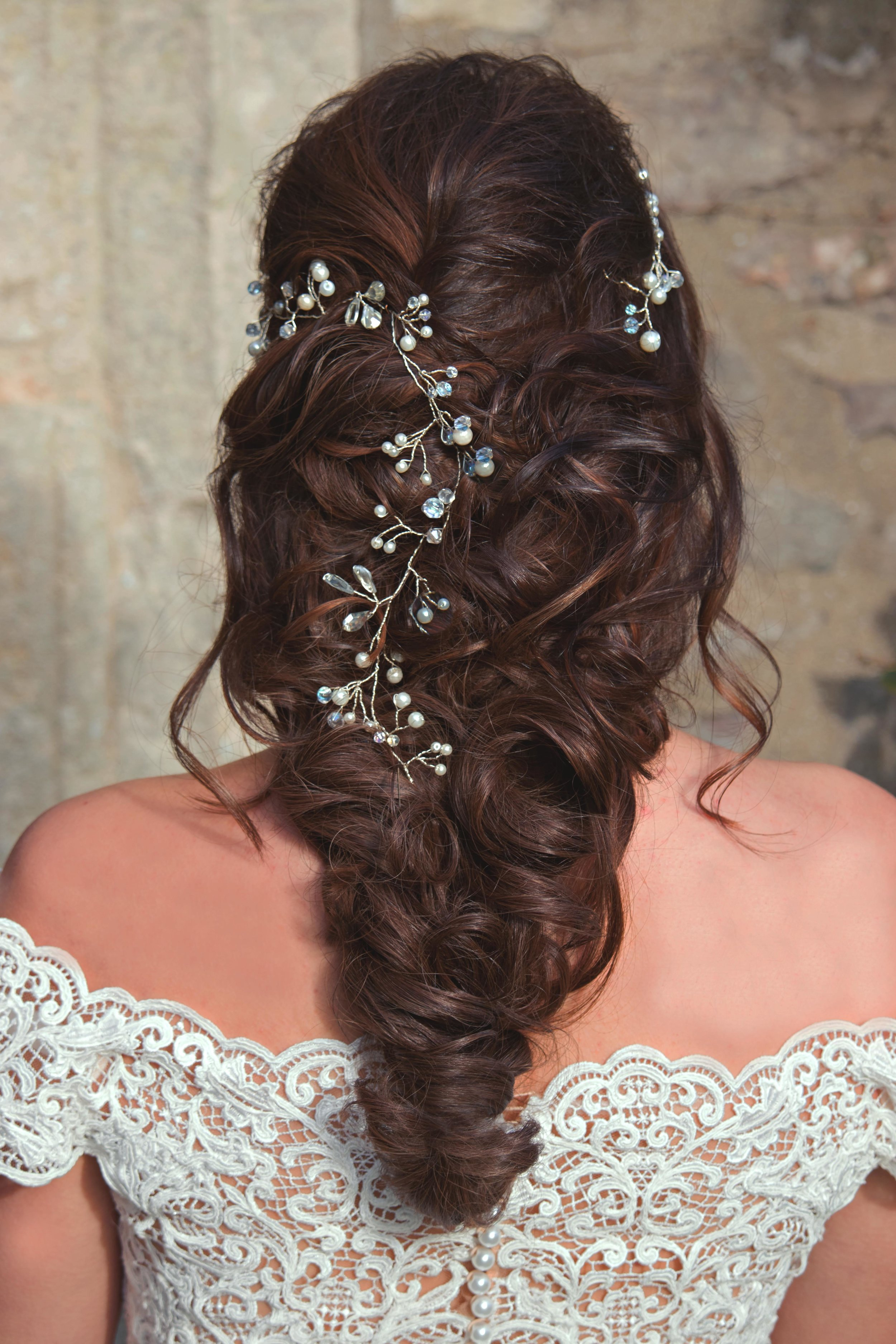bridal hairstyle curls braid long hair,.jpg