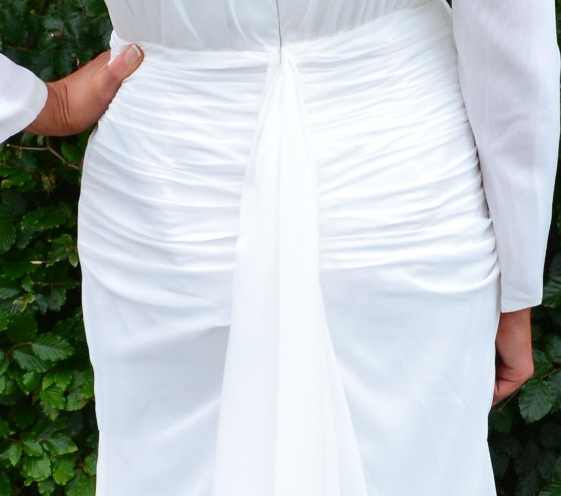 white bridal gown TheodoraJames.,.JPG