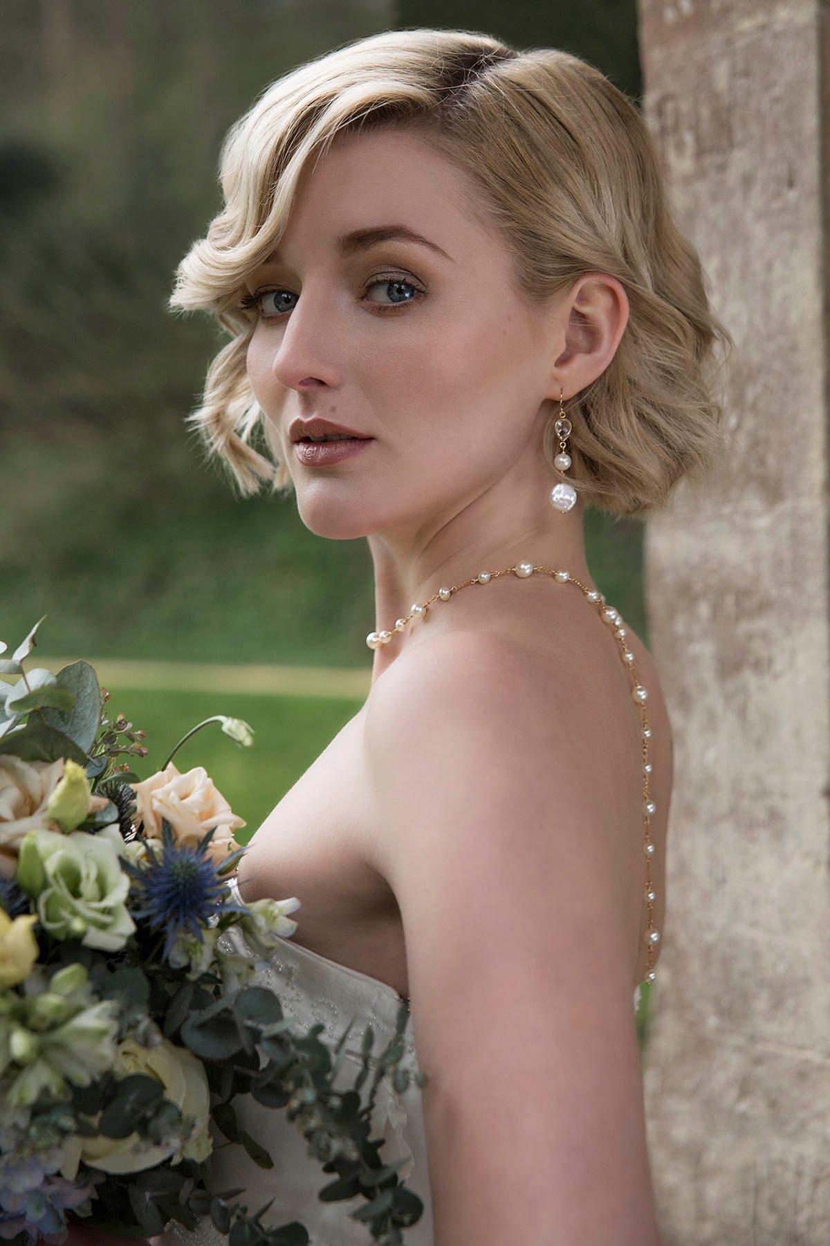 Pearl back drop bridal necklace, gold back drop necklace, bridal backdrop necklace, Swarovski pearl bridal jewelry..jpg