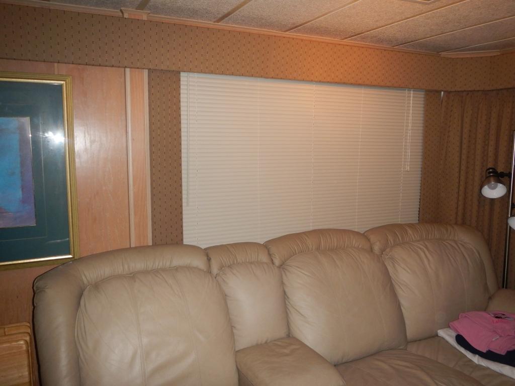 Interior Salon 1.jpg