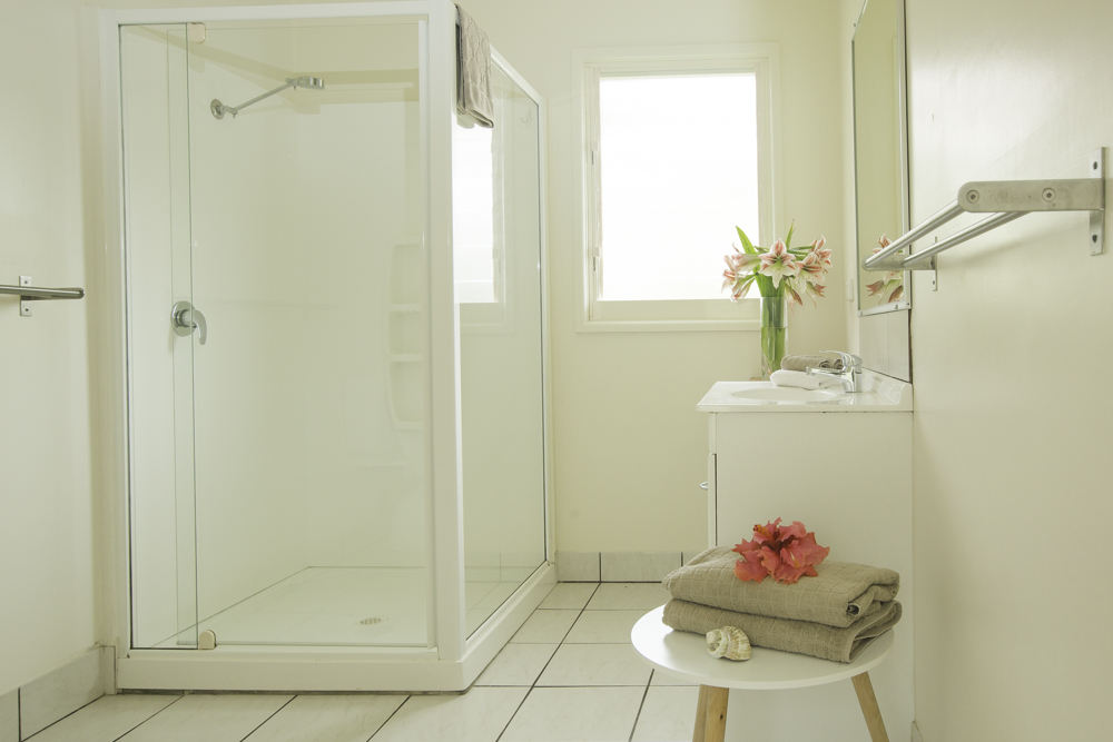 Garden Unit bathroom.jpg
