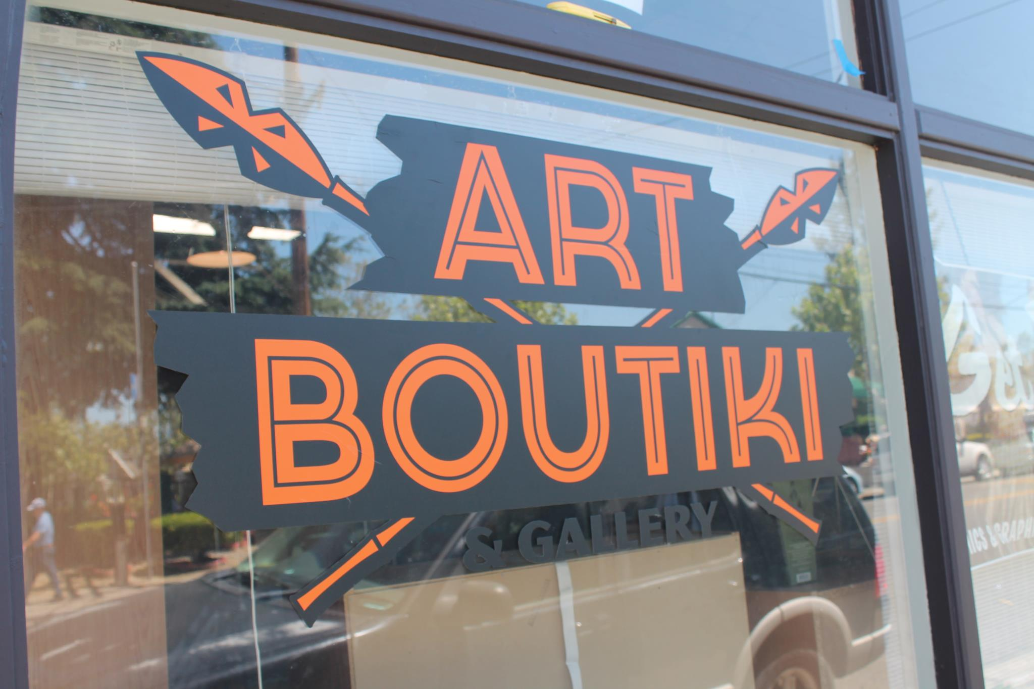 boutiki_front_glass.jpg