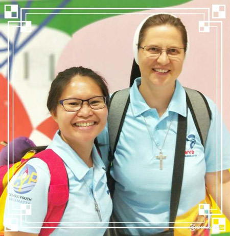 Sr Paul Vochek cfsn (right) with a fellow World Youth Day pilgrim (Photo: Sisters of the Holy Family of Nazareth website)