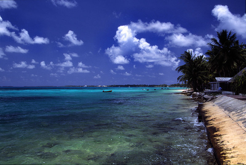 A beach at Funafuti atoll, Tuvalu, which is bearing the brunt of climate change. Photo: Stefan Lins - Flickr.com, CC BY-SA 2.0, https://commons.wikimedia.org/w/index.php?curid=1514523