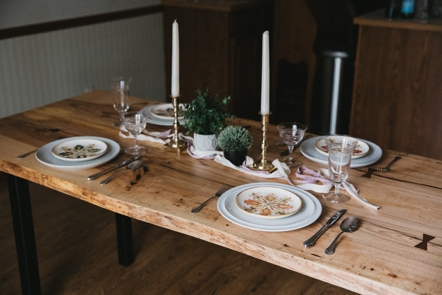 BIG-TOOTH-CO_Live_edge_dining_table_ash (11 of 31).JPG