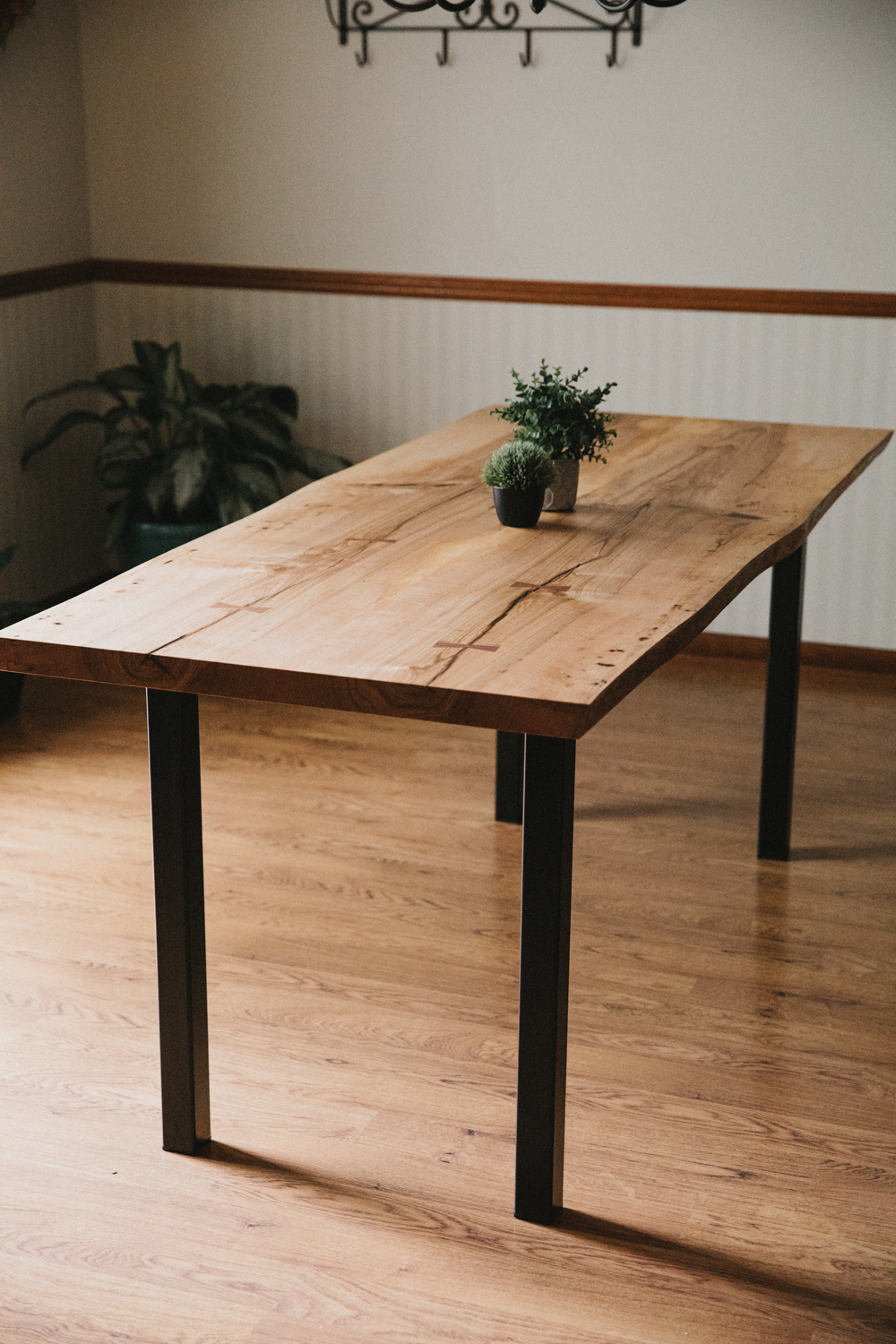 BIG-TOOTH-CO_Live_edge_dining_table_ash (17 of 31).JPG
