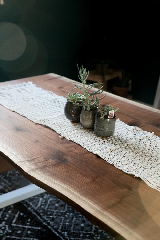BTC_blackwalnut_ft_wayne_custom_woodworking_wood_slab_table_live_edge30.jpg