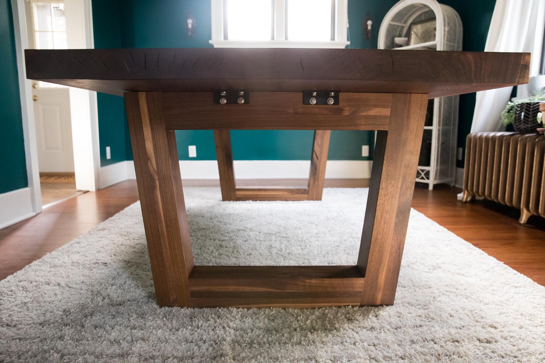walnut_indianapolis_woodworking_wood_slab_dining_table_live_edge73.jpg