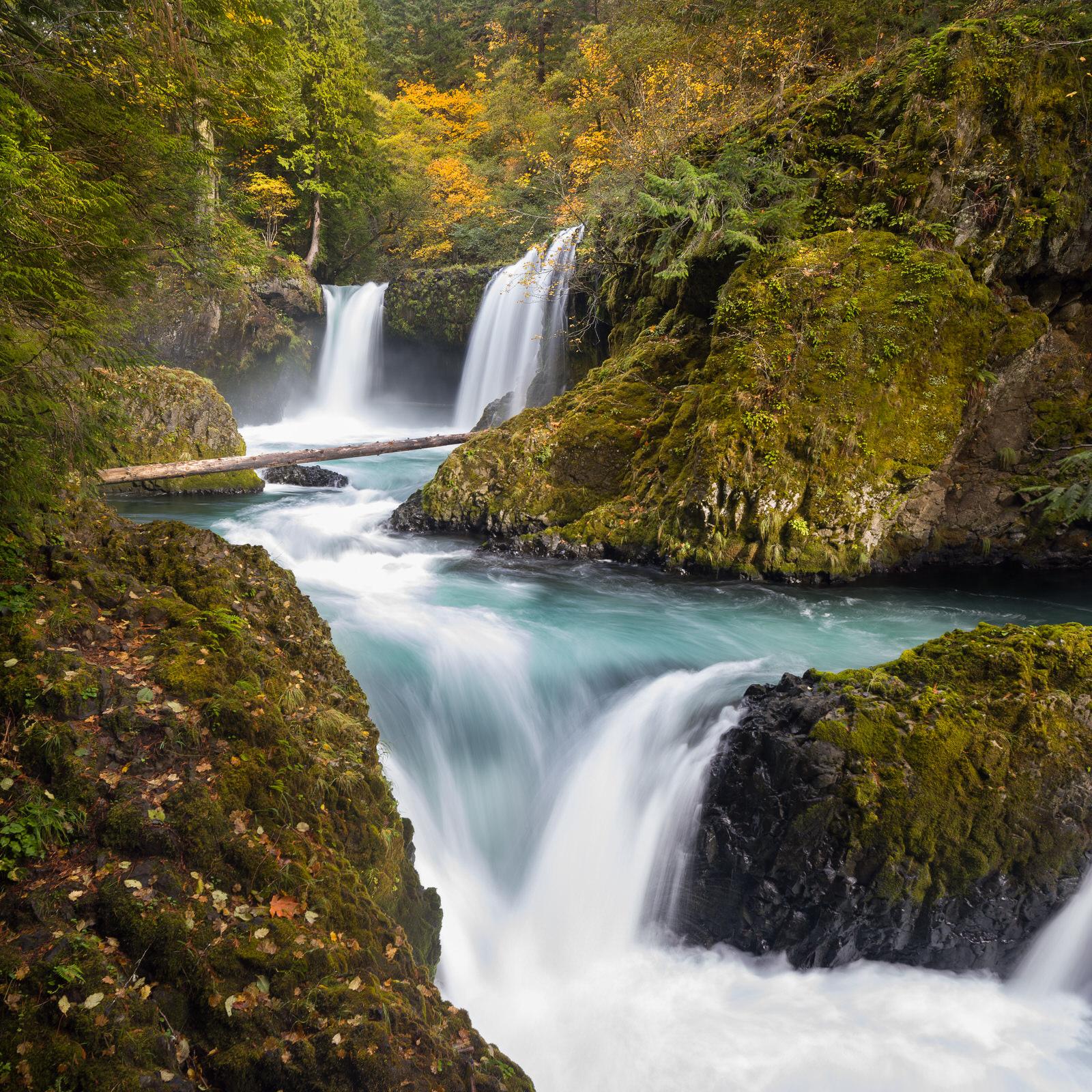 Fall colors at Spirit Falls (square)
