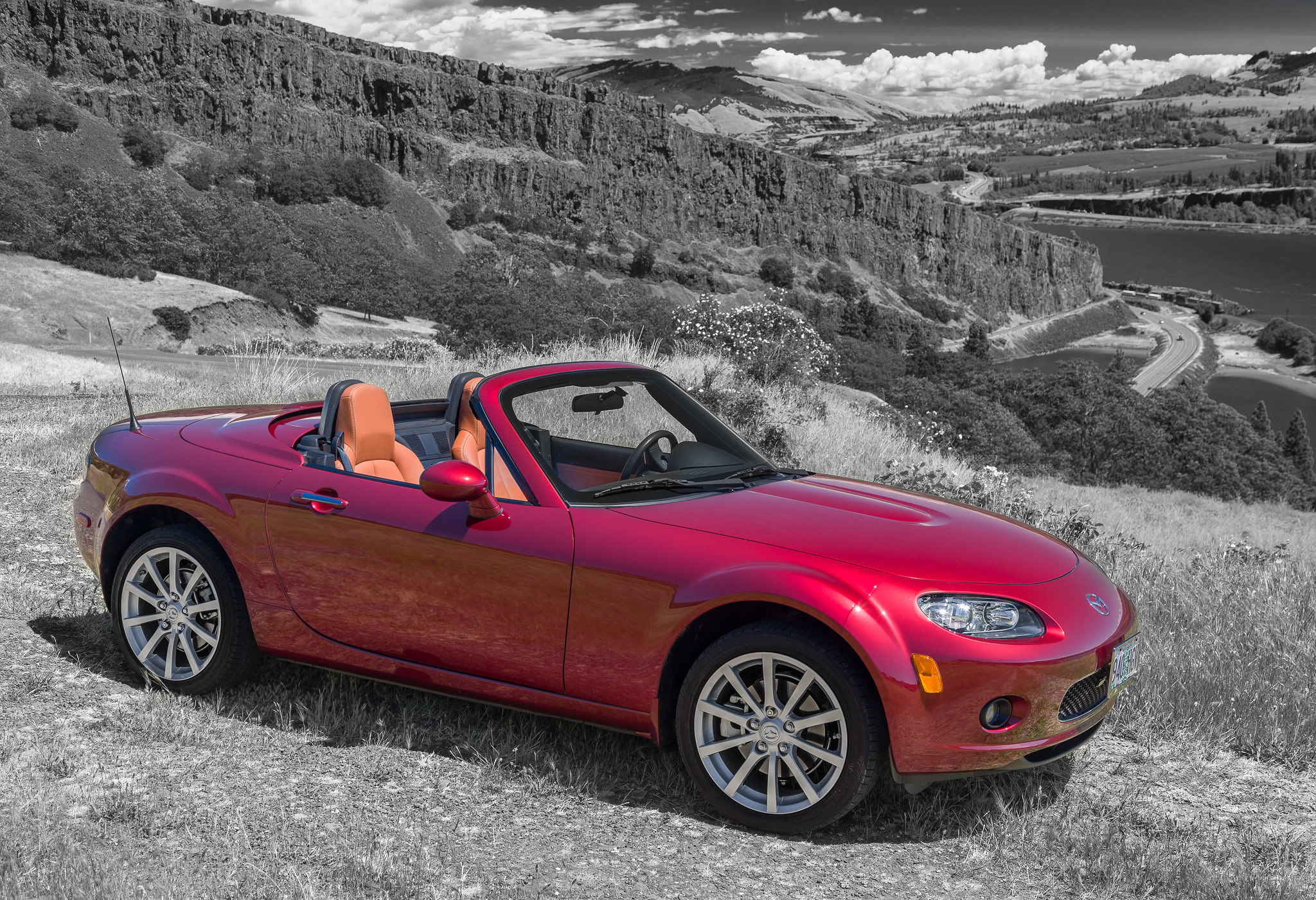Miata MX5 above Syncline