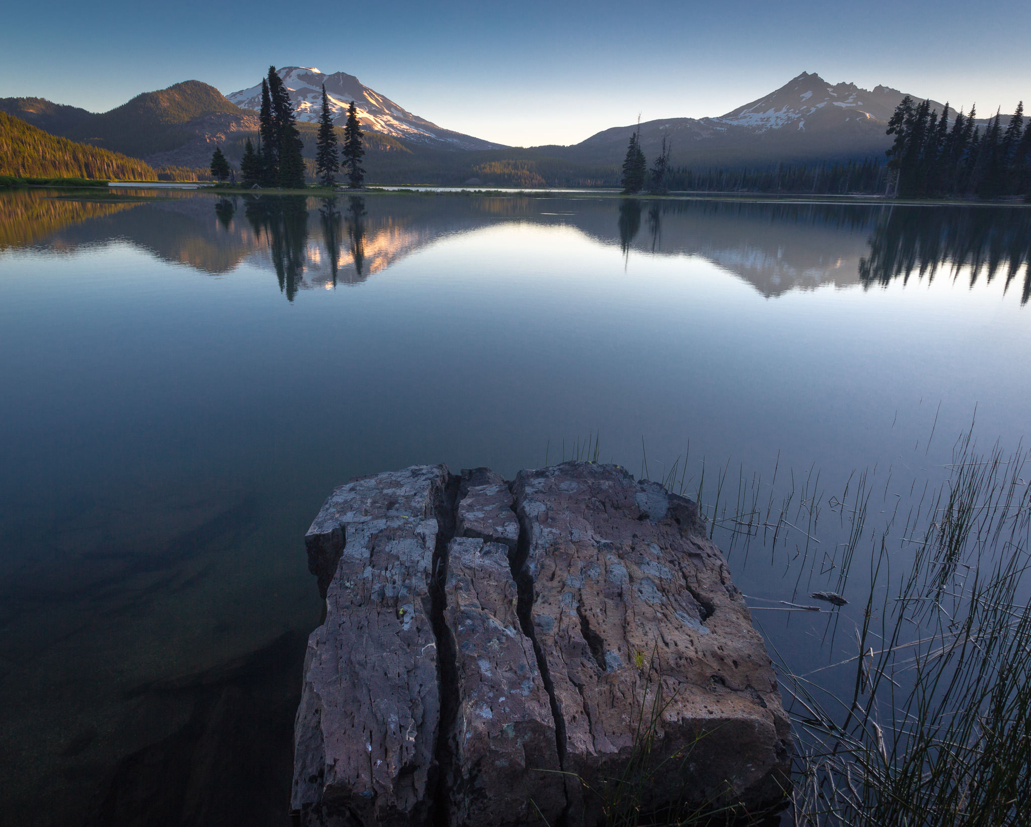 First light at Sparks Lake in Bend, OR