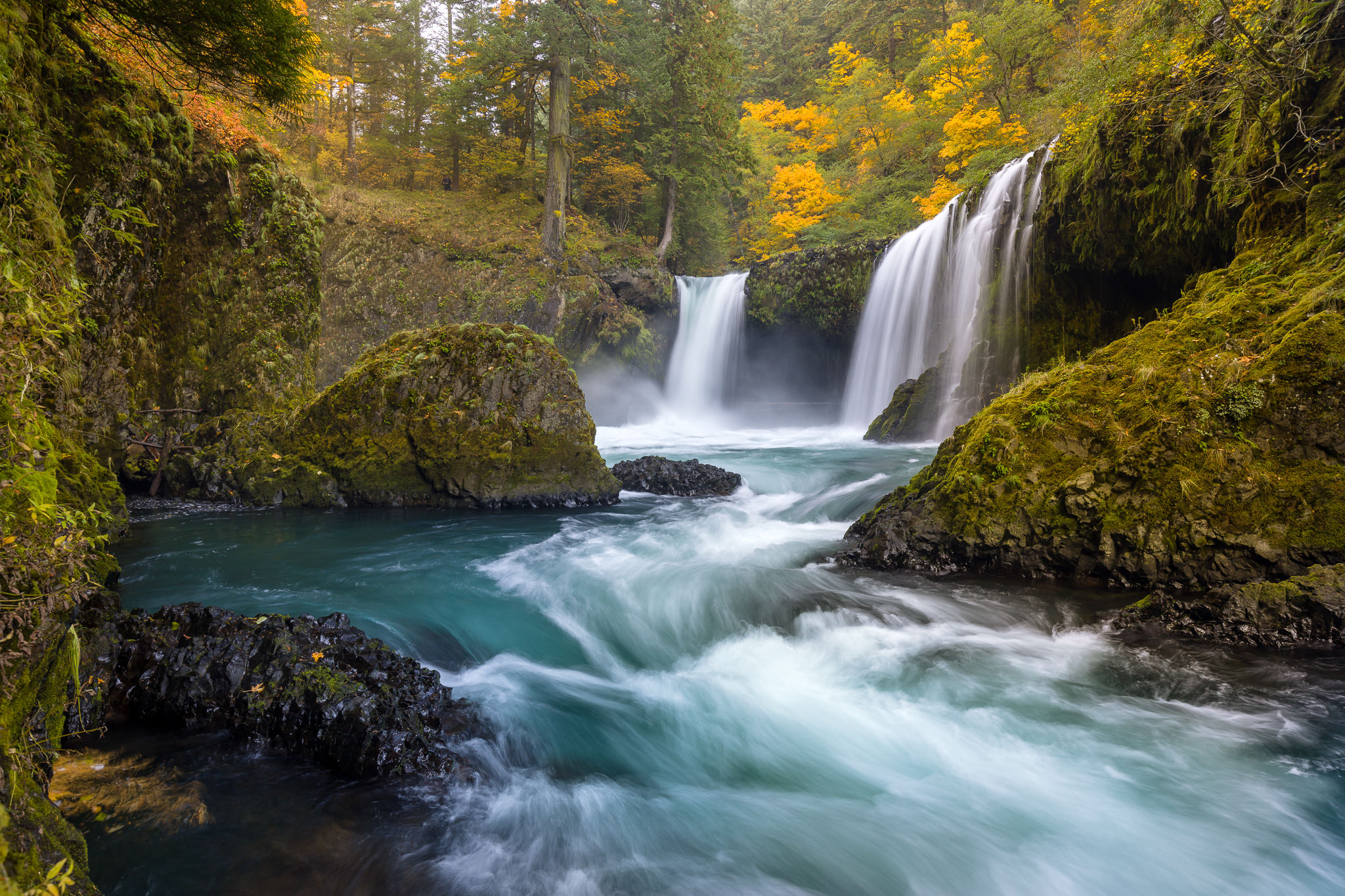 Spirit Falls in the Fall