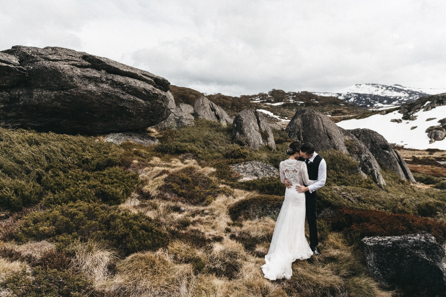 Cindy_Kam-Perisher-42_Snowy_Mountains_wedding_photographer_kosciuszko_national_park_lauren_campbell_1500.jpg