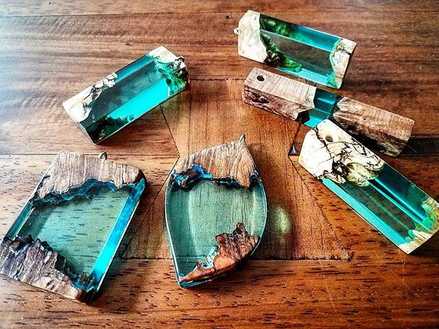 #jamesparkerdesigns #jewelry #woodworking #resinart #resin #instagram #pendant #art #stabilizing #designer #handmade #craftsman #beautiful #burl #necklace #water #smallbusiness #new #gift #giftideas #newyork #la #inspiration #share
