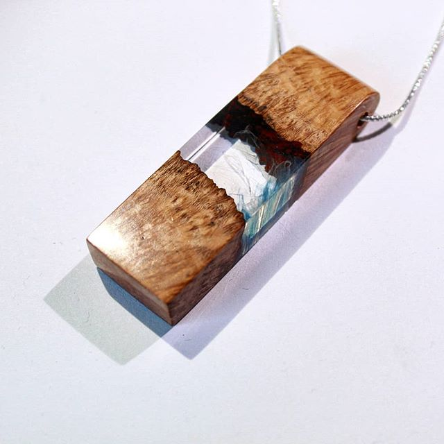 Clear with a hint of blue.  #jamesparkerdesigns #jewelry #woodworking #resinart #resin #fashion #pendant #art #stabilizing #designer #handmade #craftsman #beautiful #burl #necklace #smallbusiness #new #news #pdxsatmkt #giftideas #gift #finejewelry #drama #loveit #positivethoughts