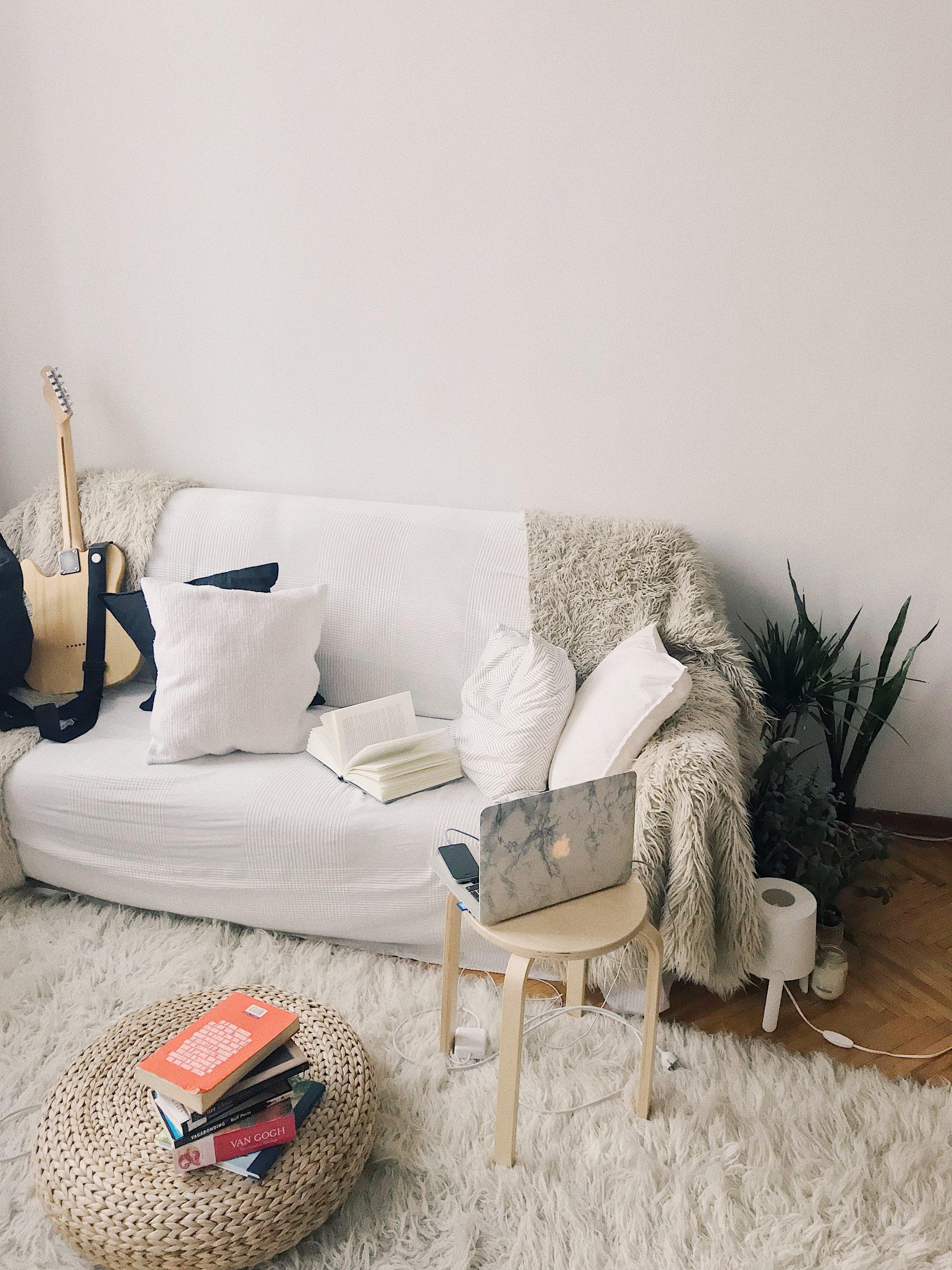 apartment-laptop-guitar-renters-insurance.jpg