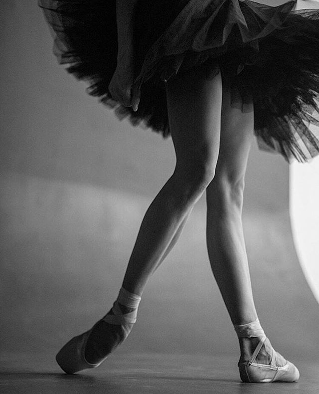 Important question: Do you prefer tutus or skirts? Comment below! 🙇♀️👇✨ __ Dancer @viforvioletta photographed by @darianvolkova. #apinkballerina - #pinkballetshoes