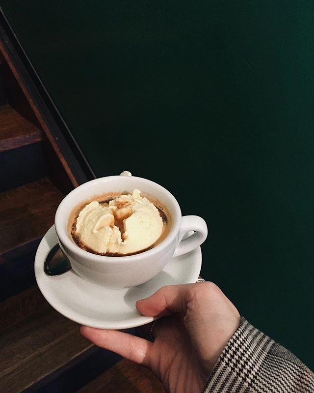 a f f o g a t o un caffé // un gelato