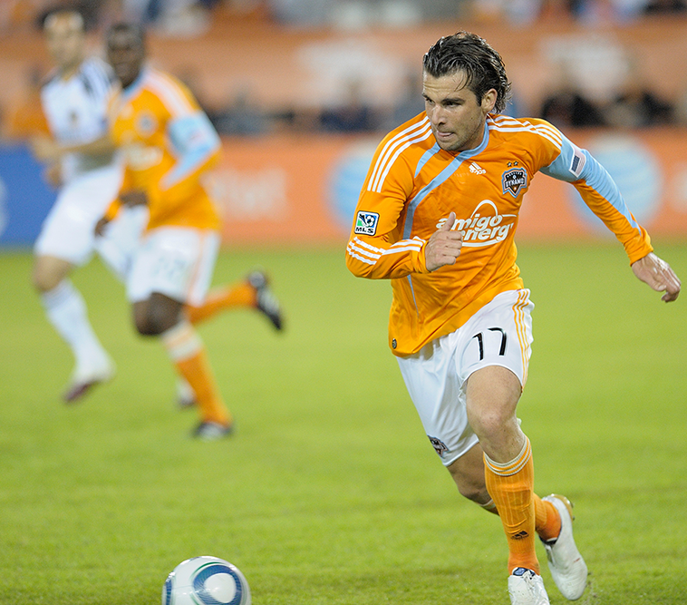 Mike-Chabala-Houston-running-with-ball-web.png