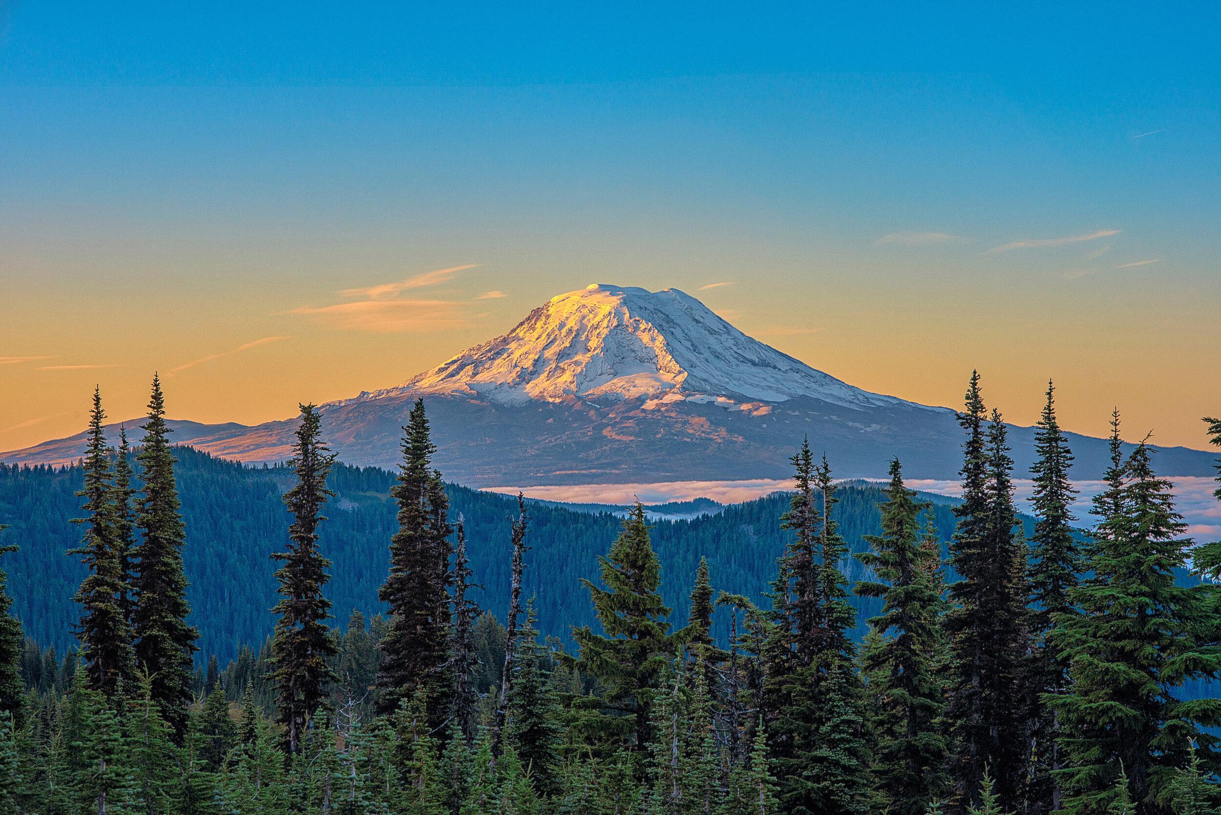 Sunrise on Mt Adams 09-21-19