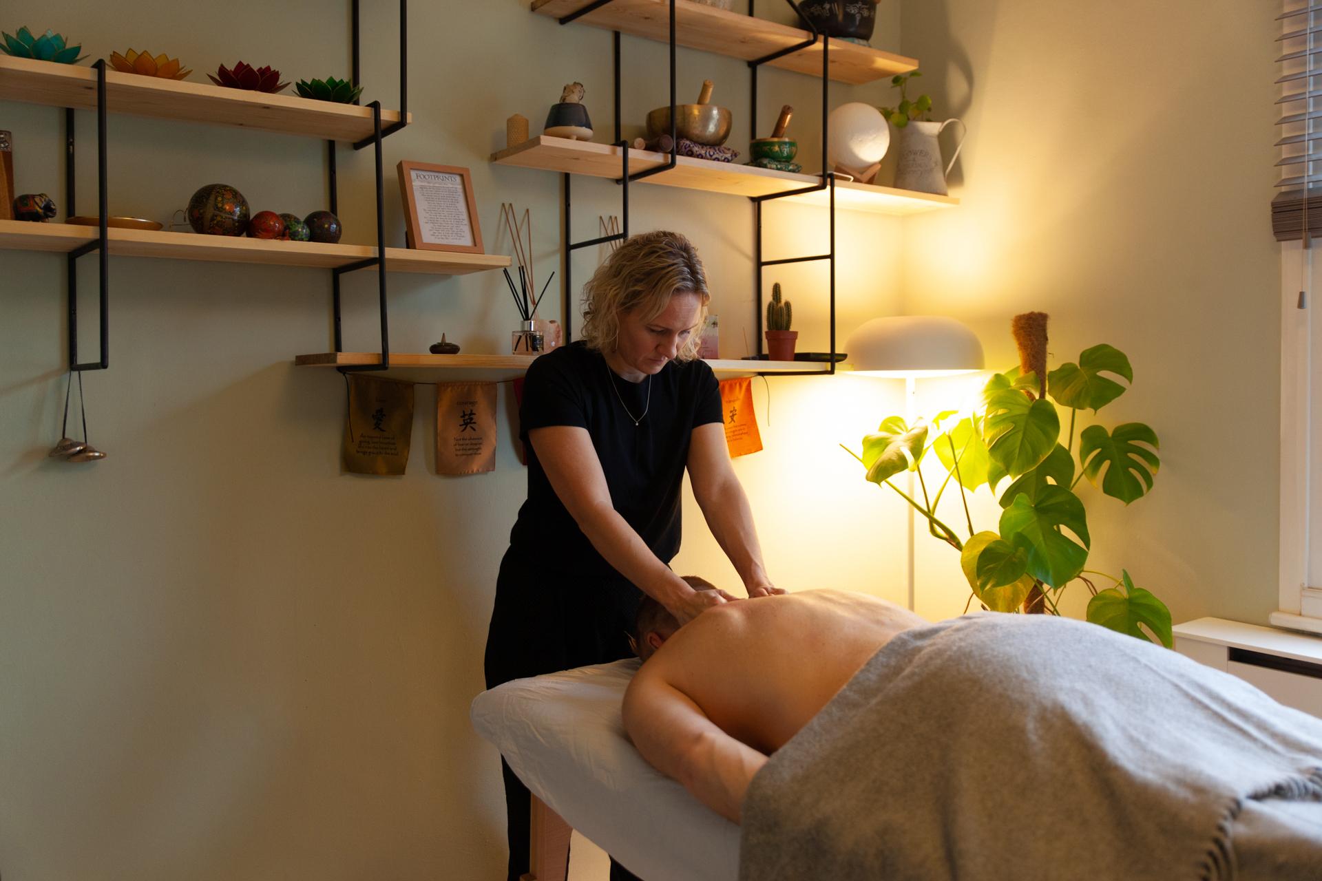 Peckham Therapies Swedish Massage SE15-20.jpg