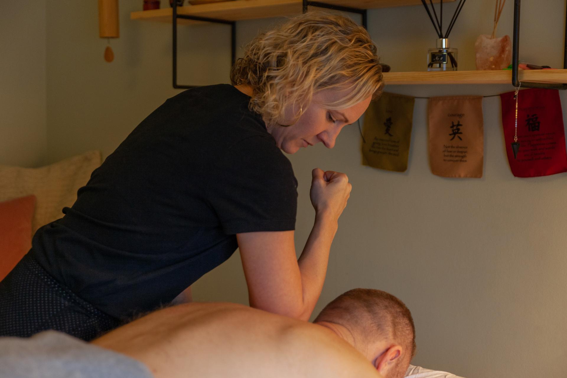 Peckham Therapies Deep Tissue Massage SE15-16.jpg