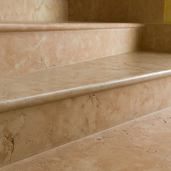 Eccezionale scale per interni e esterni a ventaglio a chiocciola in marmo UE88