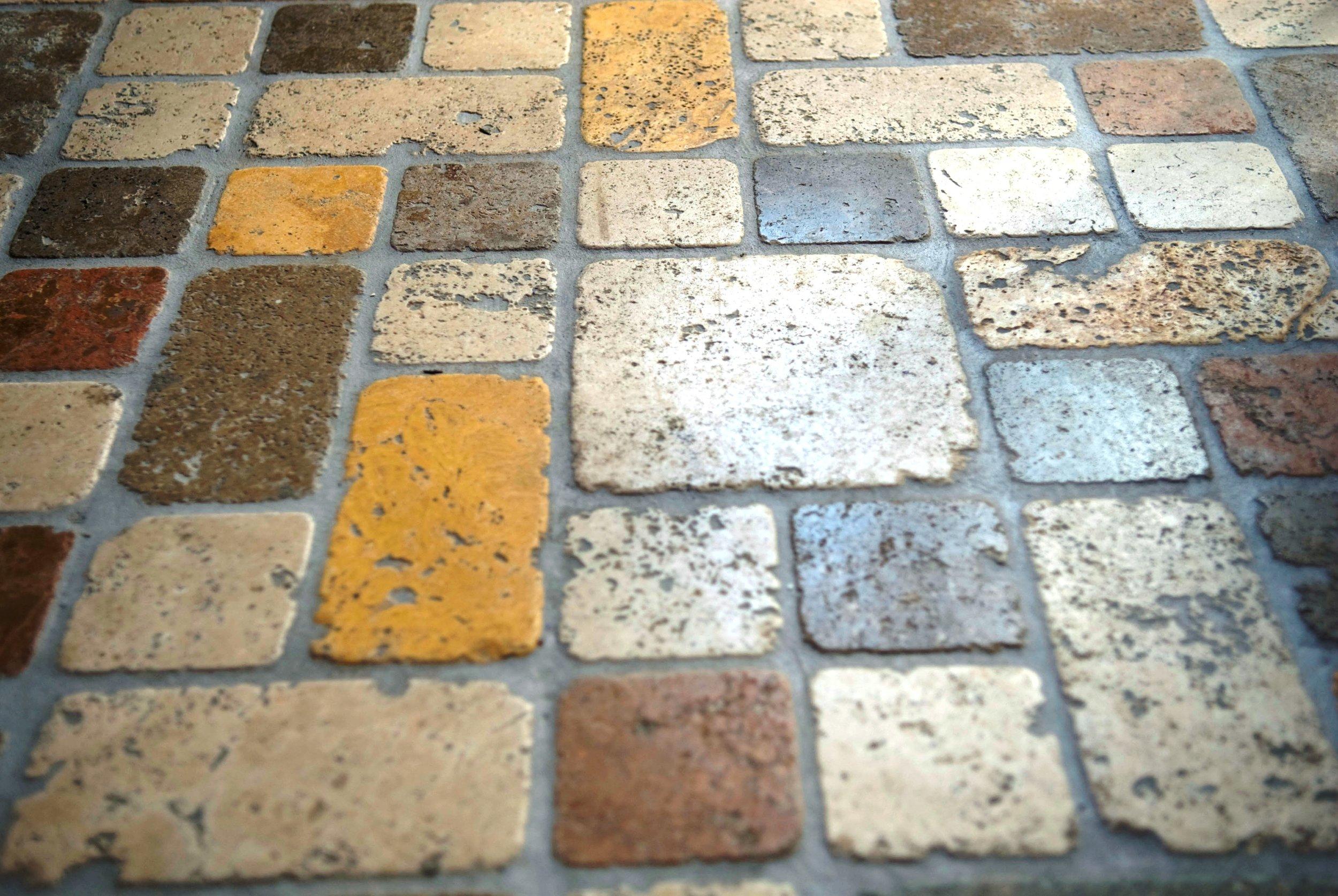Pavimento Modulare Tozzetti Travertino Poliromi 12.jpg