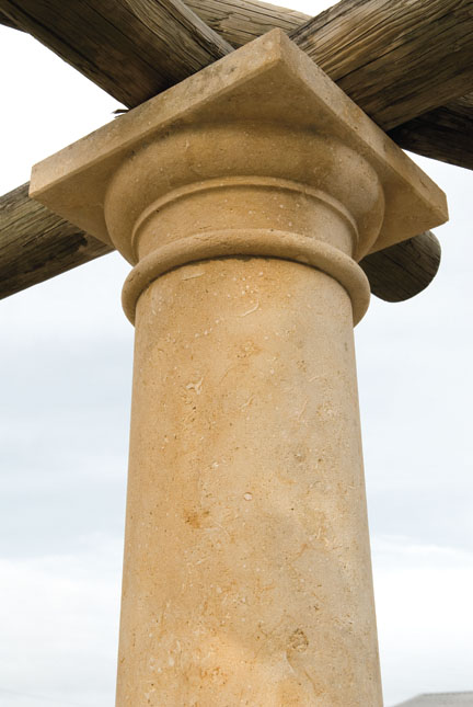 colonna stile ionico.jpg