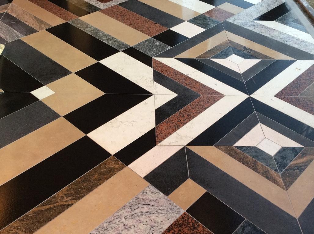 geometrie di colori marmo e granitpo.JPG