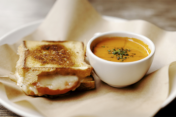 Grilled-cheese-and-tomato-soup.jpg
