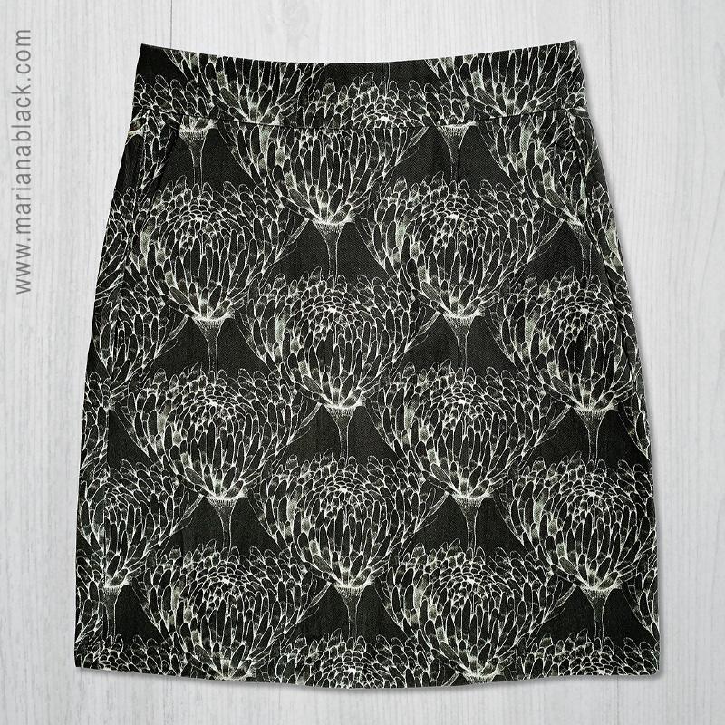 Chrysanthemum-Crowd-skirt-flat-by-MarianaBlack.jpg