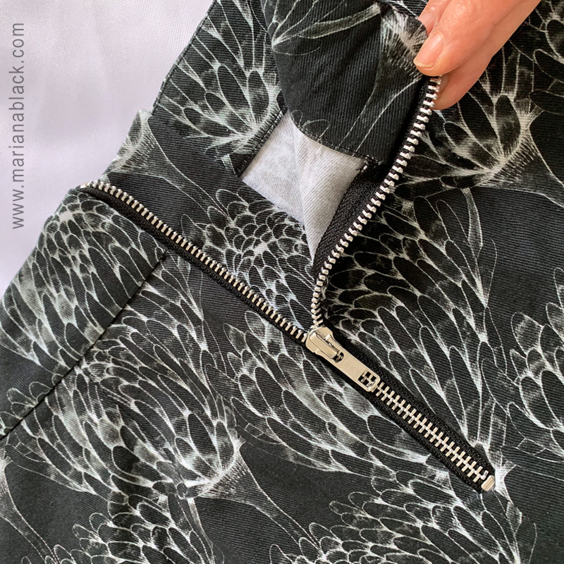 Chrysanthemum-Crowd-skirt-zipper-by-MarianaBlack.jpg