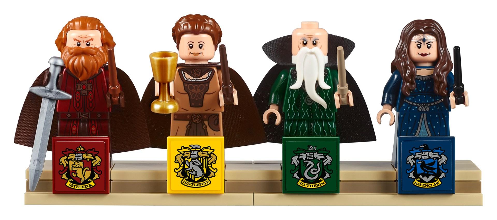 71043-Harry-Potter-Hogwarts-Castle-33.jpg