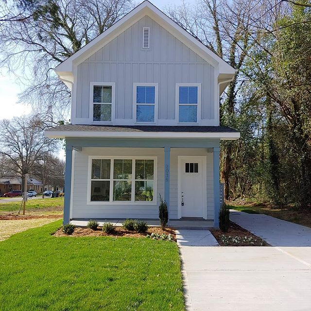 Another #SmallLuxuryHome by Sigmon Bridwell coming to market soon... 2 / 2.5 1400sf, Awesome 2-Story $269k. 2035 Renner St, Charlotte NC #SLH www.SigmonBridwell.com