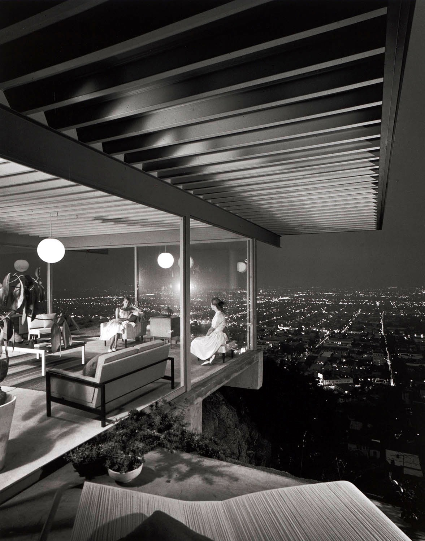 JULIUS SHULMAN - Case Study House #22, Two Girls, 1960