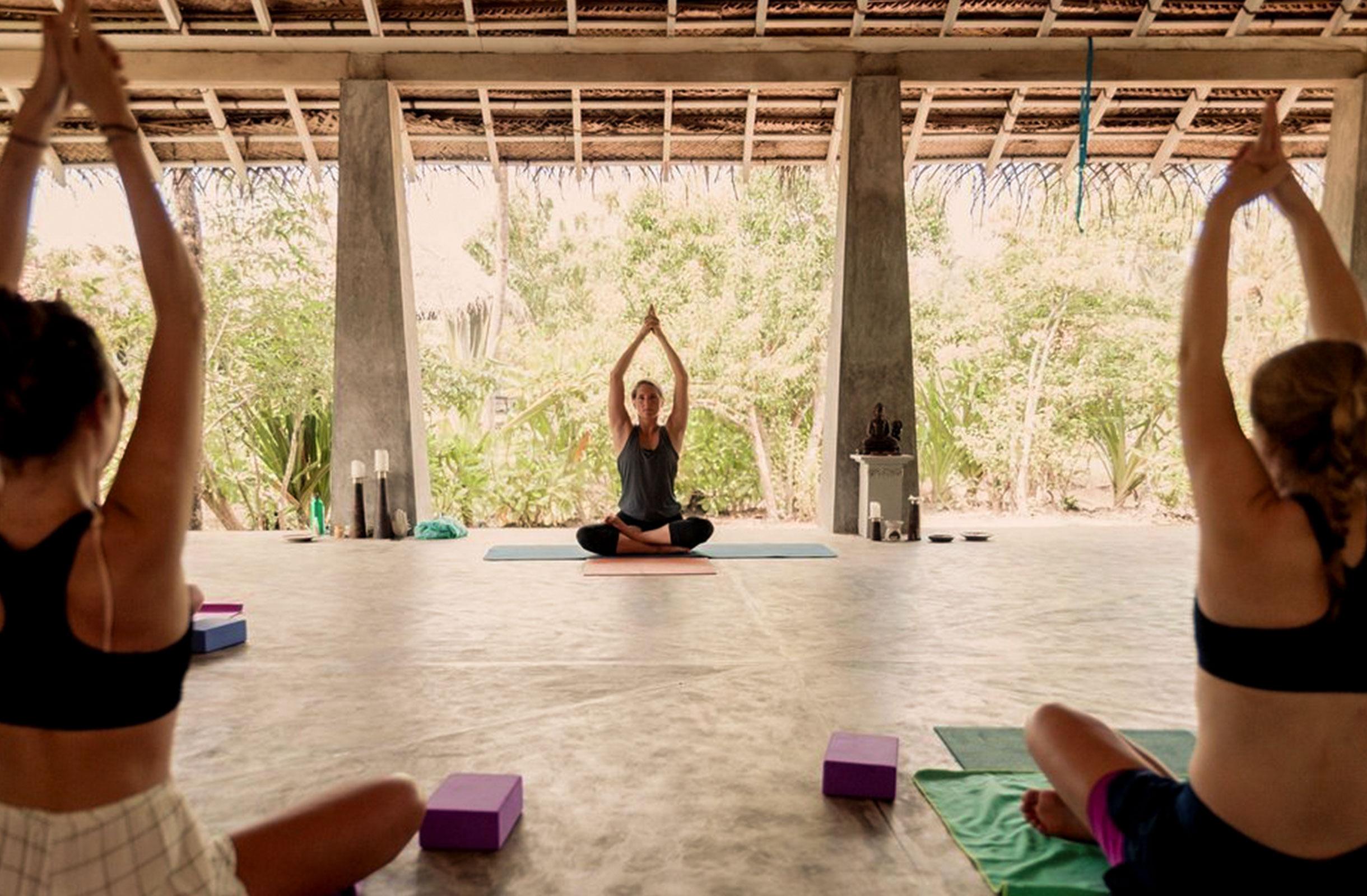 Soul_and_Sun_Yoga_Anke_Lenz_2440x1600_Stunden.jpg