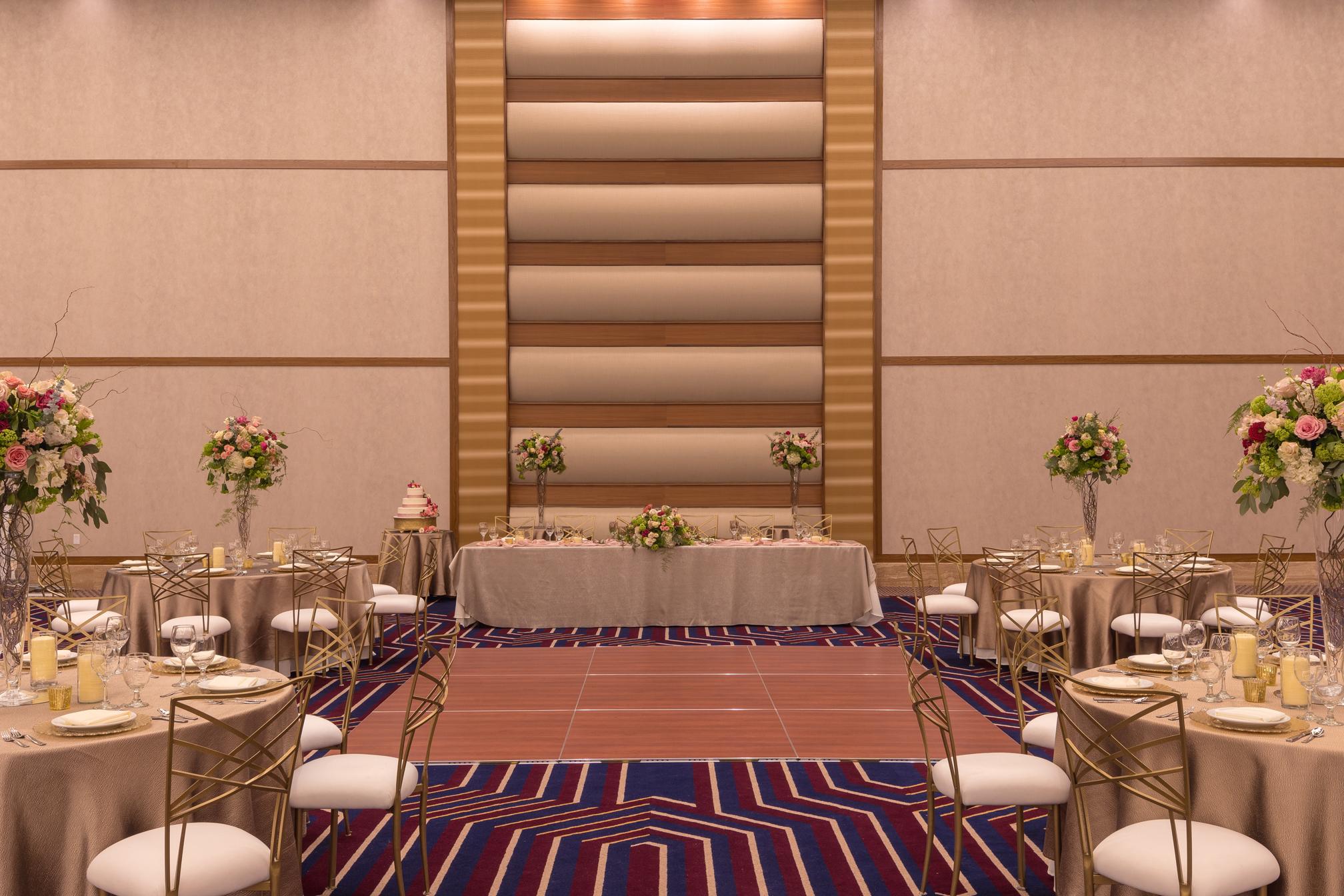 ILANI_WEDDING_RECEPTION_W_DANCE_FLOOR_WALLS_071_WEB.jpg