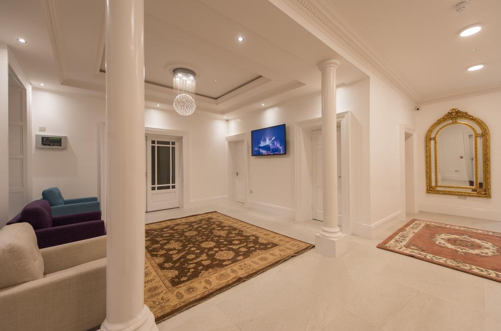 Arlington_hallway.jpg