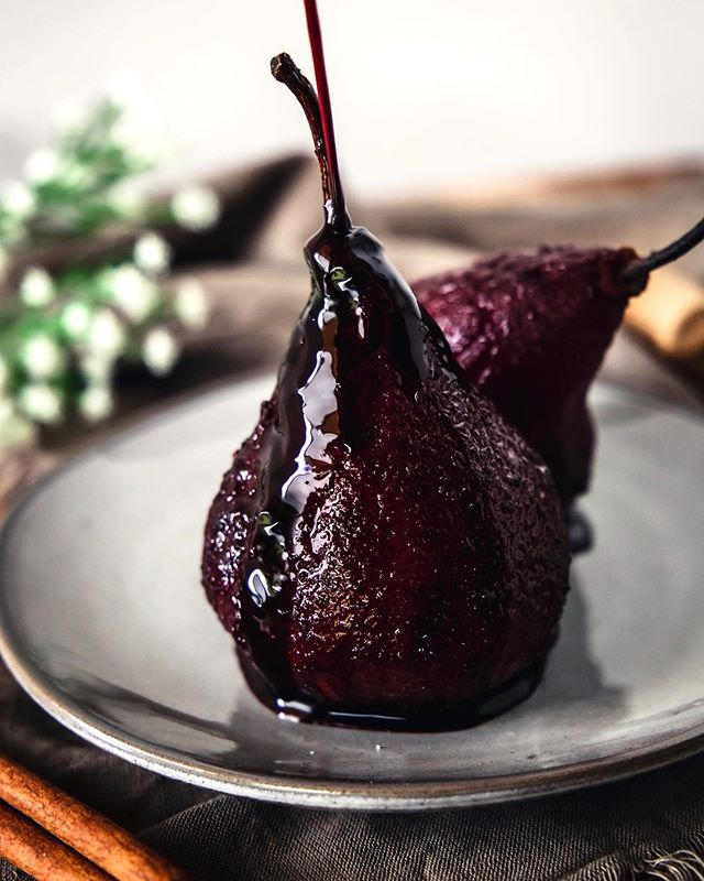 Red wine poached pears are my new favorite dessert 😍 these tastes like the most Christmasy dessert ever with red wine, cinnamon, honey, and cloves & I'm obsessed 😋 Recipe is in my bio! . . . . #pears #poachedpears #wine #redwine #dessert #winter #christmasdessert  #recipe #vegetarian #miami #foodblog #foodblogger #healthy #intuitiveeating #foodporn #foodie #foodphotographer #foodphotography #foodstyling #buzzfeast #foodtographyschool  #eatingfortheinsta #instafood  #eatwell #foodblogfeed #foodlover #foodoftheday  #eatprettythings