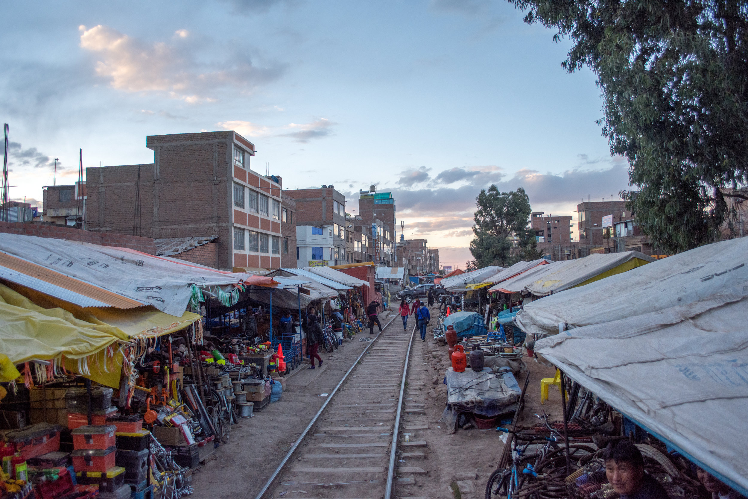 Market in Juliaca for parts